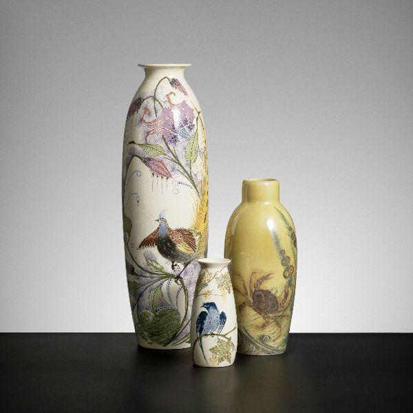 Drietal vazen met zogenaamde Rozenburg-decors